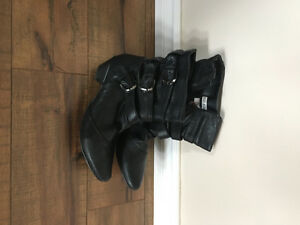 6 pair Ladies Boots