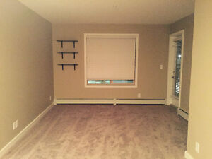 2 Bedroom condo for rent at popular south west - Rutherford