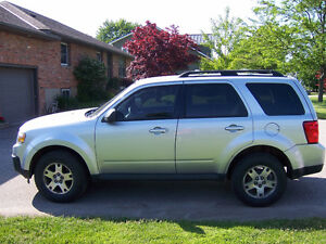 2010 Mazda Tribute GX SUV, Crossover