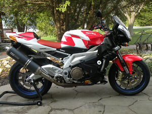 Aprilia Tuono V-Twin Naked Sport Bike