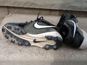 Nike Baseball Cleats/Shoes – Child Size 12 or Child Size 13