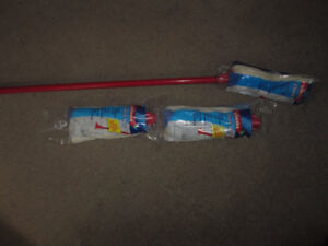 Vileda Classic mop plus two refills, brand new in packages