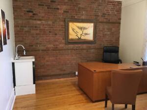 Bureau meublé à Westmount / Furnished office in Westmount