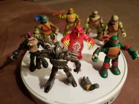 Teenage Mutant Ninja Turtles Figures plus Shredder, Beaver and Bebop.
