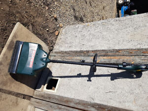 Yardworks 8a 12 inch electric snow shovel  REDUCED