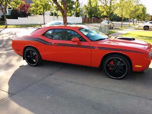 2009 Dodge Challenger R/T Coupe (2 door)