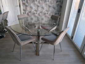 LARGE NEXT ROUND GLASS MIRRORED DINING TABLE PLUS 4 CHAIRS GREY