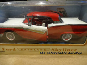 1.18 die cast 1957 ford fairlane skyliner retractable hardtop