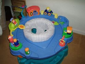 baby bouncer and activity centre