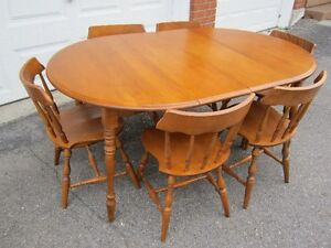 SOLID MAPLE TABLE AND 6 CHAIRS WITH BUFFET AND HUTCH