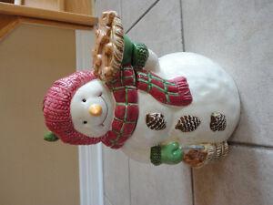 Brand new in box decorative snowman cookie jar London Ontario image 4