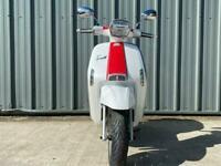 New Lambretta V 200cc Special Modern Classic Retro Automatic Scooter