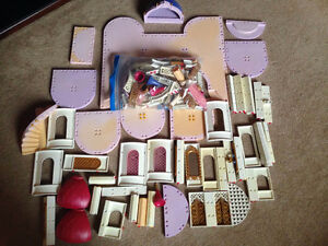 Lot of Playmobil items, includes castle and garden sets