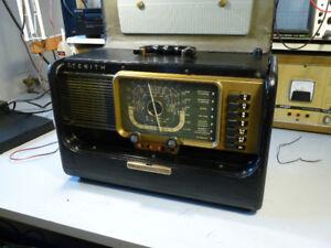 Radio Antique 1951 avec une belle histoire!