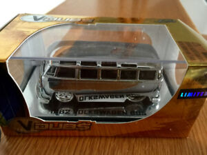 LIMITED EDITION  1/64 VDUB 1962 CHROME  VW BUS