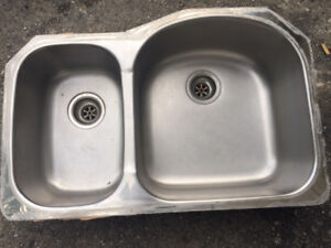 NEW KINDRED DOUBLE UNDERMOUNT STAINLESS KITCHEN SINK
