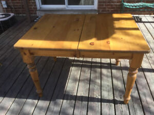 Kitchen Table and Chairs - exands