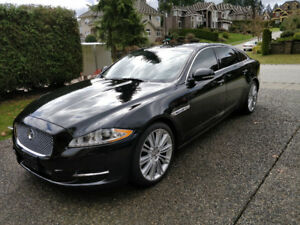 Selling Rare Elegant 2013 Jaguar XJL Executive packa Very low Km