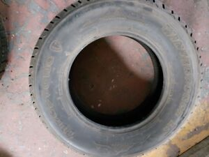 4 pneus d'hiver  245/70/17
