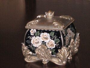 cofre,coffre à bijoux,antique,argent,fleur,