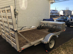 Motorcycle / Utility Trailer with loading ramp