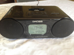 Dual alarm clock radio with iPod dock - Never used.