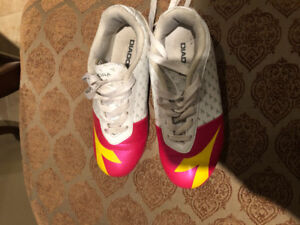 Gently used Diadora soccer cleats $10