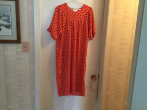 6 beautiful adaptive dresses for sale, Like new, great prices
