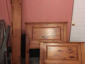 Twin Bed Headboard, Tail board and rails - Pine