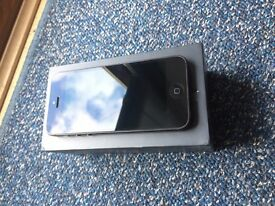 Iphone 5 16gb in black locked to ee - Almost perfect condition