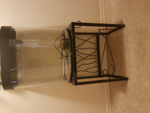 Selling a 25 gal tank with stand