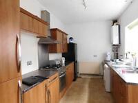 4 bedrooms in Tootal Drive, Salford M5