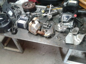 PARTING OUT 305cc BRIGGS & STRATTON ENGINE PARTS + E-STARTER + &