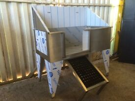 Stainless steel dog bath