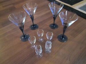 Set of 4 beautiful wine glasses with blue stem