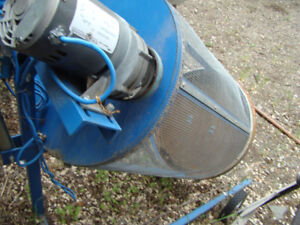 Drum roller. Has many uses,including root vegetable washer; sepe