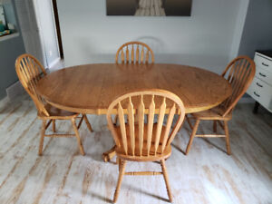 Solid Oak Dinning Table Chairs