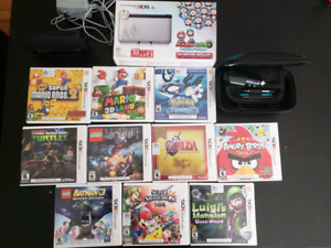 Nintendo 3ds XL with 11 games and accessories