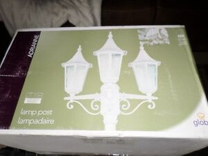 Brand New Outdoor 3 Lamp Post Light