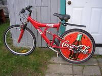 Superbe bicyclette à l'effigie de COCA-COLA