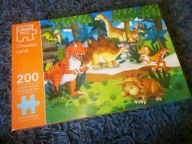 Dinosaur Land 200 Piece puzzle