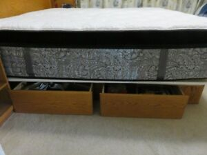 King Size Mattress & Oak Frame with 4 drawers