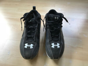 Size 8.5 Mens UnderArmour Football Cleats