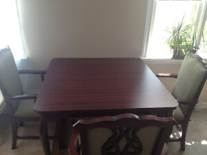Wooden table+ 4 confortable chairs