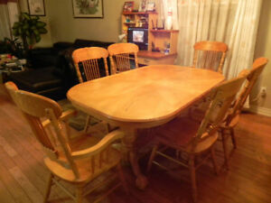 Moving Sale Hardwood Dining Table Set King Size Bed