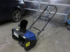 Snow Joe electric snow thrower in working condition