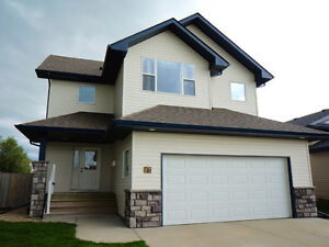 Lacombe 1875 sq.ft Home - Trade For Okanagan Home / Property