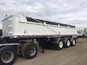 Nice triaxle Enddump with liner !!