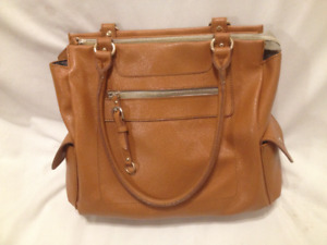 Ladies Tan Leatherette Tote/Purse with iPad Compartment