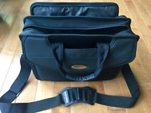 Mobile Edge Professional Laptop Bag - LIKE NEW!